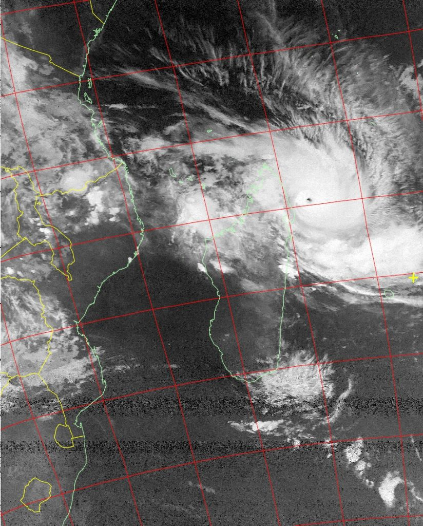 Intense Tropical Cyclone Enawo, Noaa 19 IR 07 Mar 2017 03:51