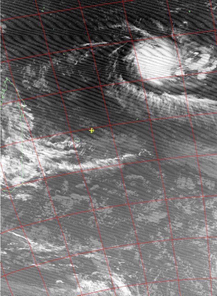 Severe tropical storm Fantala, Noaa 15 IR 13 Apr 2016 05:28