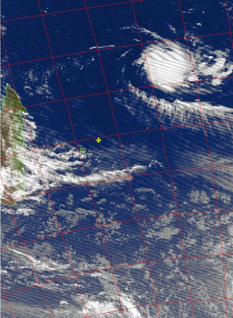 Severe tropical storm Fantala, Noaa 15 IR 13 Apr 2016 05:28