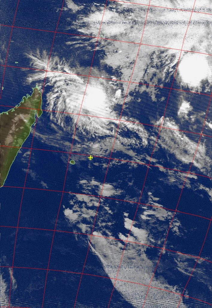 Severe tropical cyclone Fantala, Noaa 15 IR 21 Apr 2016 17:55