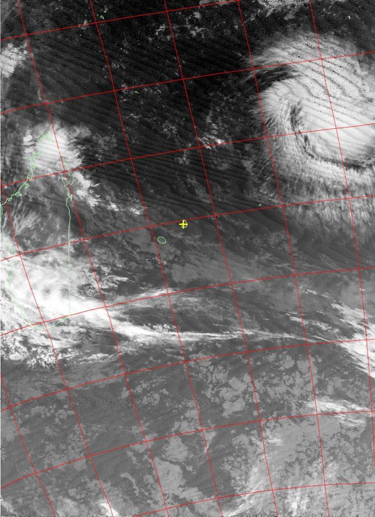 Moderate tropical storm Fantala, Noaa 18 IR 12 Apr 2016 05:39