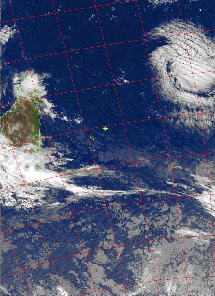 Moderate tropical storm Fantala, Noaa 18 IR 12 Apr 2016 05:39