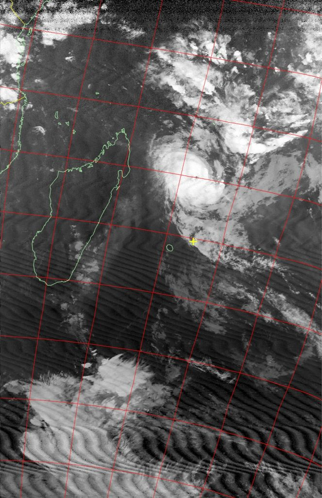 Tropical cyclone Fantala, Noaa 18 IR 20 Apr 2016 18:21