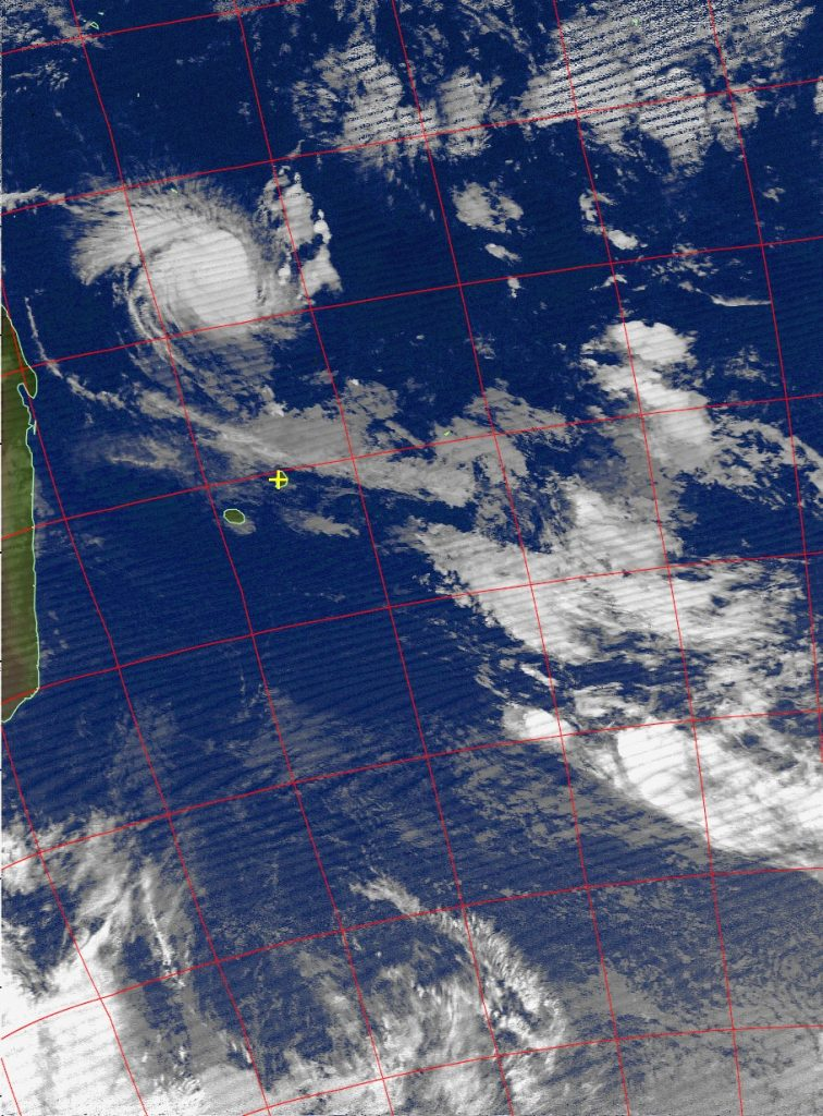 Tropical cyclone Fantala, Noaa 18 IR 22 Apr 2016 05:24