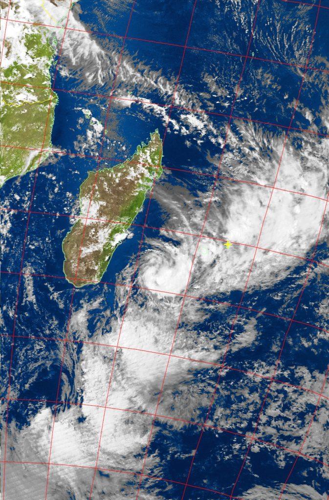 Tropical depression, Noaa 19 VIS 10 Feb 2016 15:08