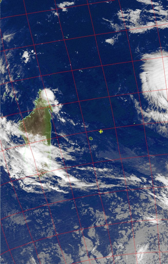 Moderate tropical storm Fantala, Noaa 19 IR 12 Apr 2016 02:36
