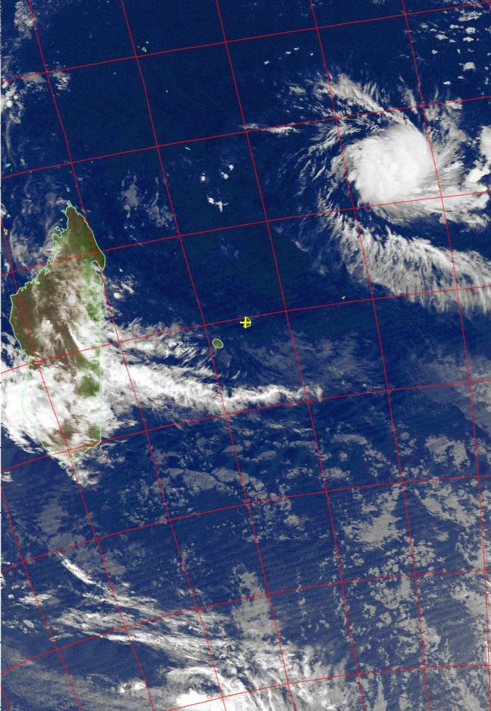 Severe tropical storm Fantala, Noaa 19 IR 13 Apr 2016 02:25
