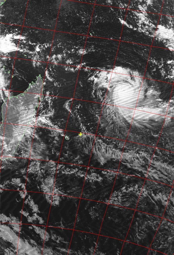 Tropical cyclone Fantala, Noaa 19 VIS 14 Apr 2016 14:47