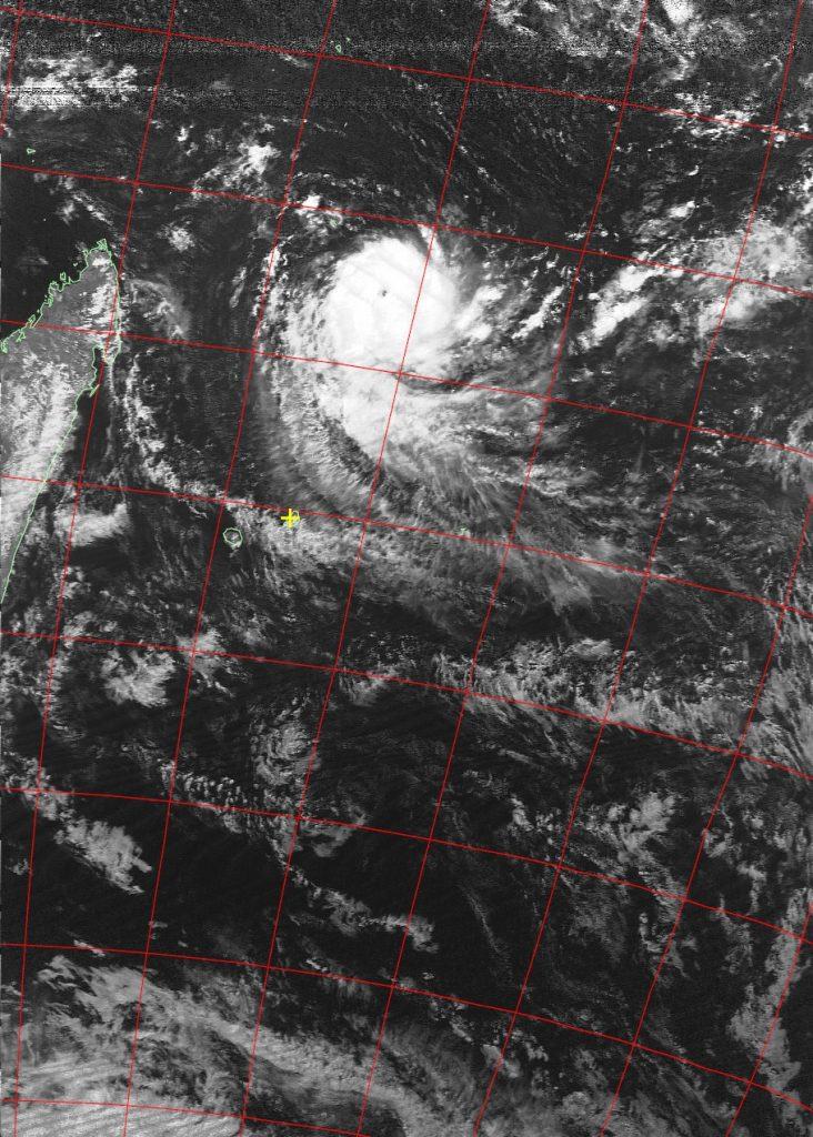 Intense tropical cyclone Fantala, Noaa 19 VIS 15 Apr 2016 14:36