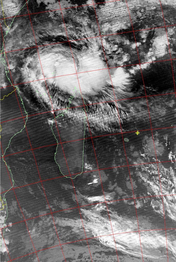 Intense tropical cyclone Fantala, Noaa 19 IR 19 Apr 2016 02:58