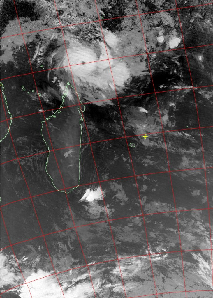 Tropical cyclone Fantala, Noaa 19 IR 20 Apr 2016 02:46