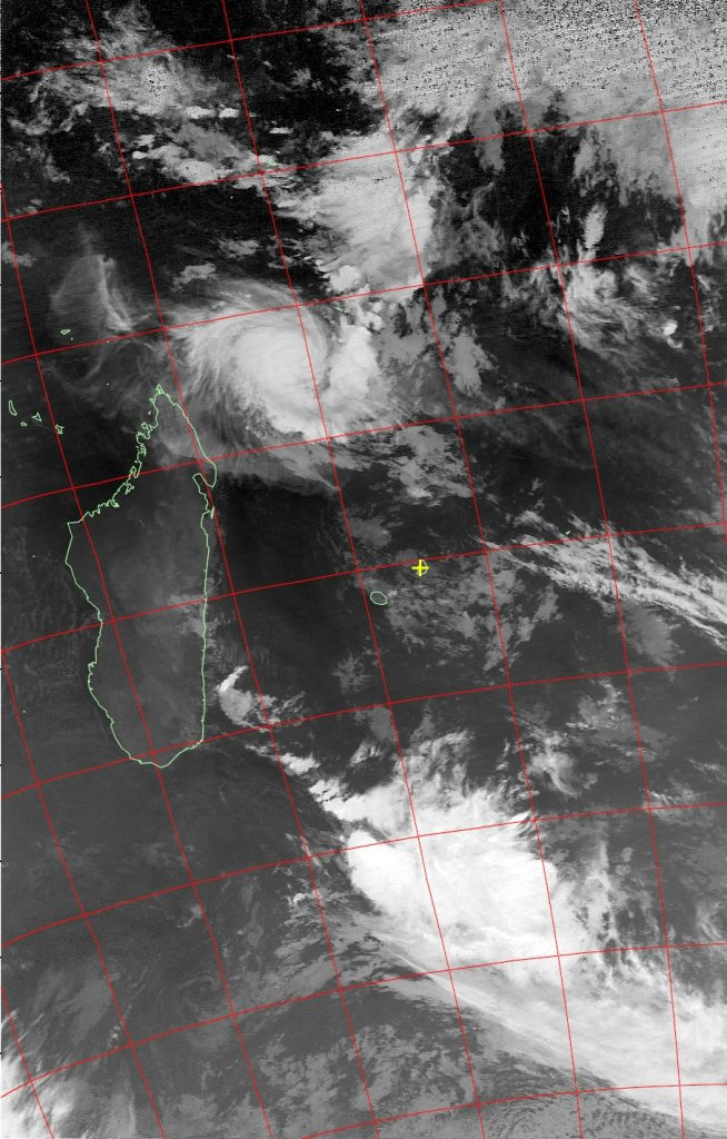 Tropical cyclone Fantala, Noaa 19 IR 21 Apr 2016 02:35