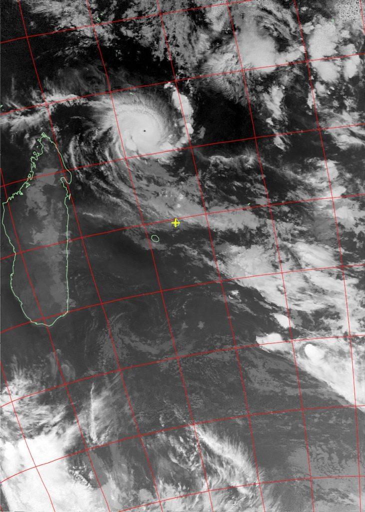 Tropical cyclone Fantala, Noaa 19 IR 22 Apr 2016 02:23