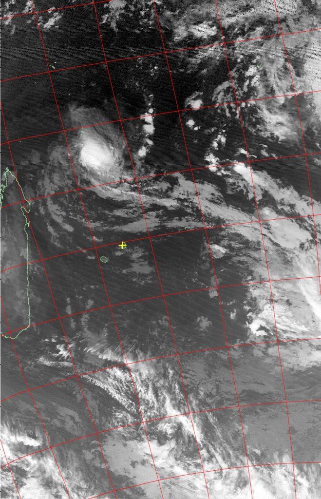 Severe tropical storm Fantala, Noaa 19 IR 23 Apr 2016 02:12