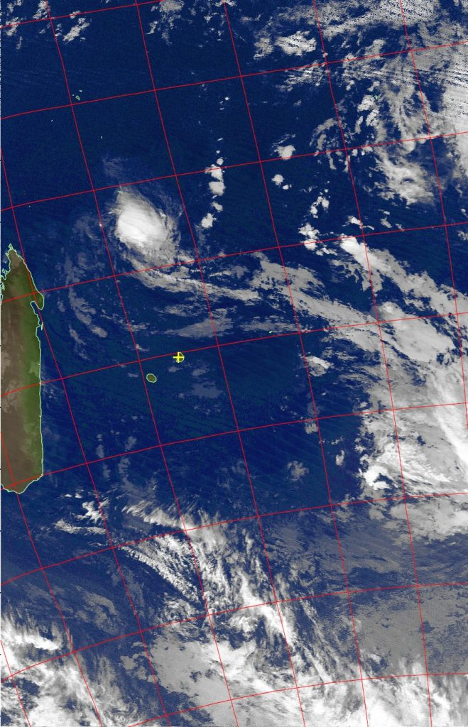 Severe tropical storm Fantala, Noaa 19 IR 23 Apr 2016 02:12