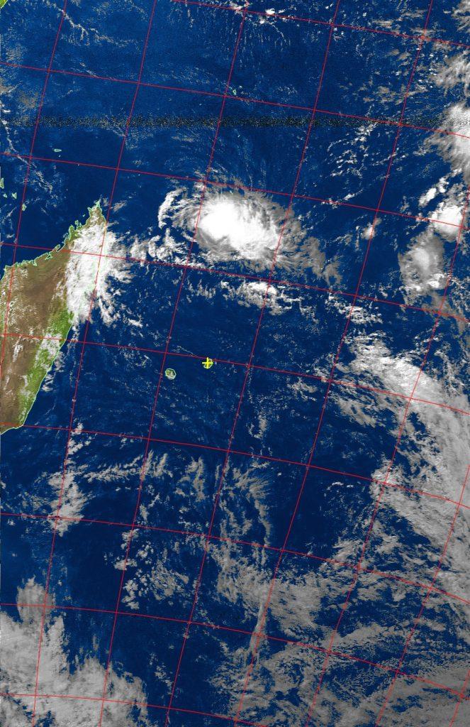 Moderate tropical storm Fantala, Noaa 19 VIS 23 Apr 2016 14:46