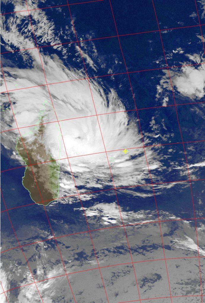 Severe Tropical Storm Dumazile, Noaa 15 IR 04 Mar 2018 06:33