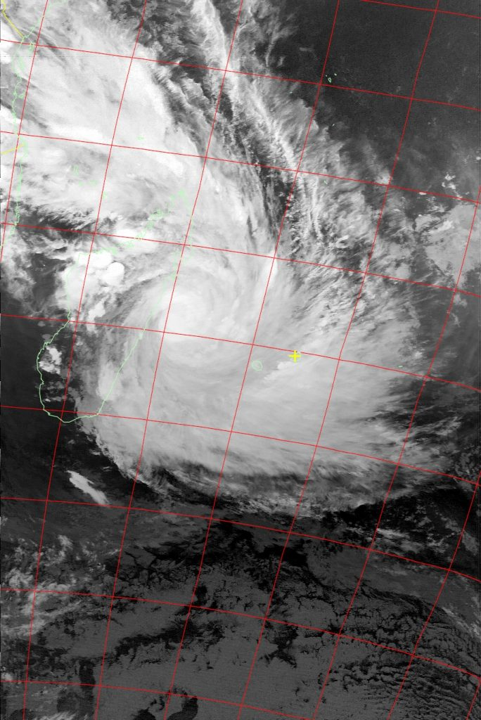 Tropical Cyclone Dumazile, Noaa 15 IR 04 Mar 2018 19:00
