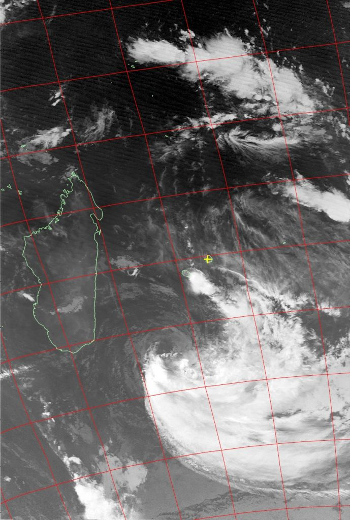 Moderate Tropical Storm Eliakim, Noaa 15 IR 20 Mar 2018 06:33