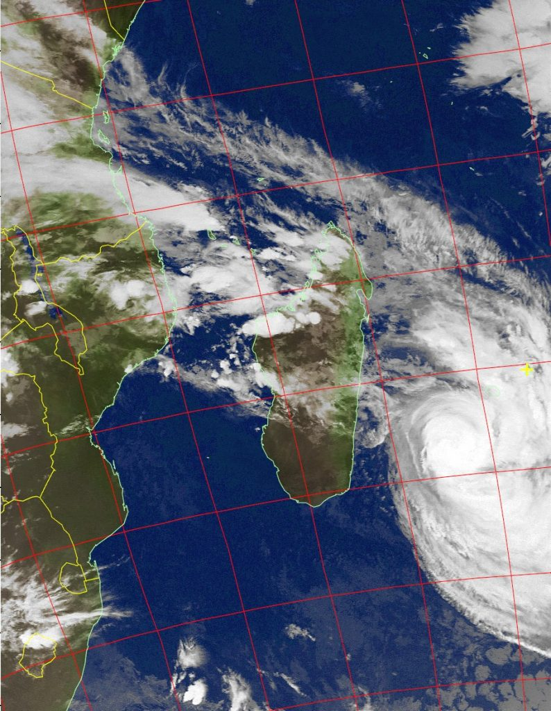 Tropical Cyclone Dumazile, Noaa 19 IR 06 Mar 2018 04:32